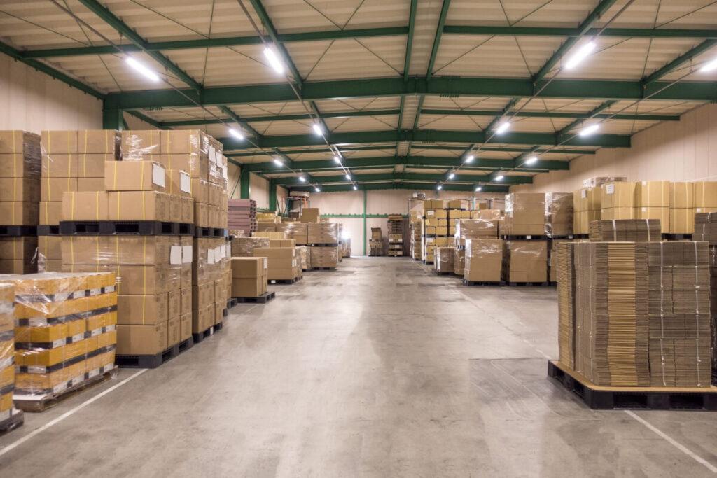 magazzino deposito mobili